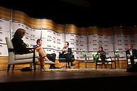 """SÃO PAULO, SP, 22 DE AGOSTO DE 2012.  SABATINA FOLHA/UOL. O candidato a prefeitura pelo PRB, Celso Russomanno, participa de Sabatina promovida pelo jornal Folha de SP e pelo site UOL no Teatro Cultura Artística no bairro do Itaim Bibi com participação dos jornalistas Vera Magalhães, editora do Painel, Ricardo Balthazar, editor de """"Poder"""", Barbara Gancia, colunista da Folha, e Maurício Stycer, repórter especial do UOL.  FOTO: ADRIANA SPACA - BRAZIL PHOTO PRESS"""