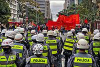 Manifestaçao Ato Mundial Stop Bolsonaro, militantes do partido PCO, avenida Paulista, Sao Paulo. 28.06.2020. Foto Juca Martins