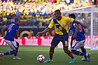 Action photo during the match Ecuador vs Haiti at MetLife Stadium Copa America Centenario 2016. ---Foto  de accion durante el partido Ecuador vs Haiti, En el Estadio MetLife Partido Correspondiante al Grupo - B -  de la Copa America Centenario USA 2016, en la foto: Antonio Valencia<br /> <br /> -- 12/06/2016/MEXSPORT/Javier Ramirez.