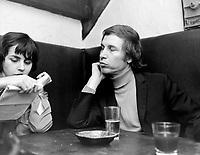 Sujet: Jean-Pierre Ferland<br /> Date: 29 septembre au 5 octobre 1969<br /> Photographe: Photo Moderne