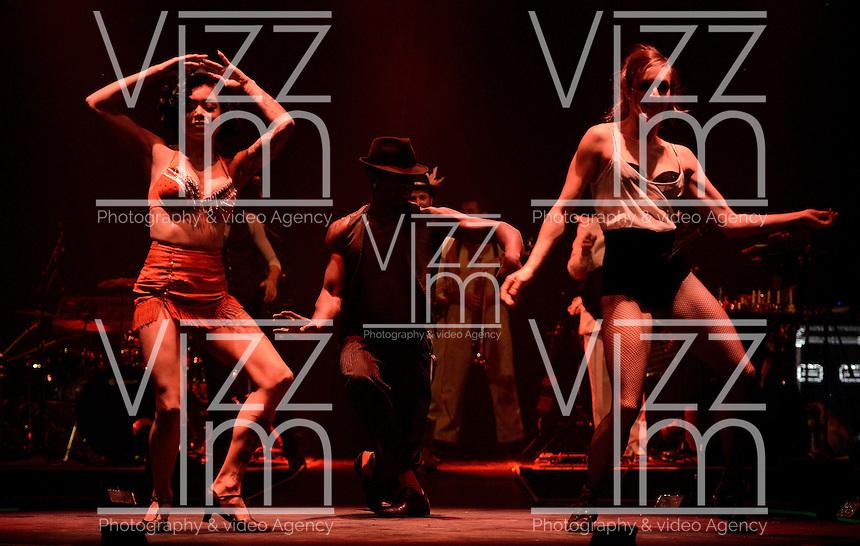 """BOGOTÁ-COLOMBIA-08-04-2014. Ensayo de la obra """"El Limbo"""" de la compañia STRUT & FRET de Australia reallizado en el Downtown Majestic y que forma parte de la programación del XIV Festival Iberoamericano de Teatro de Bogotá 2014./  Pre show of """"El Limbo"""" of the company STRUT & FRET from Australia played at Downtown Majestic as a part of  schedule of the XIV Ibero-American Theater Festival of Bogota 2014.  Photo: VizzorImage/ Gabriel Aponte /Staff"""