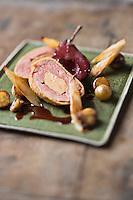 Alouette de Canard farcie au foie gras, croquant au pain d'épice - recette de Christian Constant EXCLU: EDITION LIVRE CUISINE DU SUD-OUEST