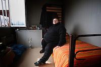 Terremoto del L'Aquila un' anno dopo. Earthquake L'Aquila one year after.Milva Perilli nella sua stanza. Milva Perilli in her room...