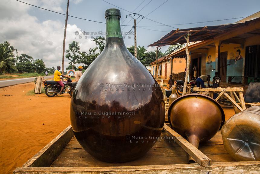 Traffico illegale benzina dalla Nigeria al Benin