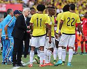 Jose Peckerman da indicaciones a sus jugadores en el partido contra Peru  en el Estadio Metropolitano Roberto Melendez de Barranquilla el  8 de octubre de 2015.<br /> <br /> Foto: Archivolatino<br /> <br /> COPYRIGHT: Archivolatino<br /> Prohibido su uso sin autorización.