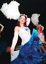Shim Shamettes burlesque, 2001