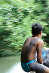 Embera in canoe / comunidad indígena emberá, Panamá.