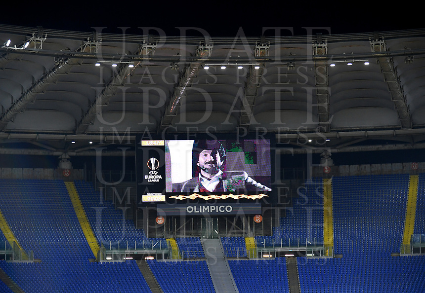 Football Soccer: UEFA Europa League UEFA Europa League Group A  AS Roma vs FCR Cluj, Olympic stadium, Rome, 5 November, 2020.<br /> A picture of late Italian actor Gigi Proietti is displayed on a huge screen above empty stands prior to the UEFA Europa League football match between AS Roma and CFR Cluj at the Olimpico stadium in Rome, Italy, 05 November 2020. <br /> UPDATE IMAGES PRESS/Isabella Bonotto