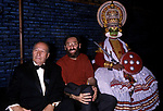 FRANCO BATTIATO CON IL SOVRINTENDENTE GIAMPAOLO CRESCI<br /> TEATRO DELL'OPERA PER IL GILGAMESH ROMA 1992