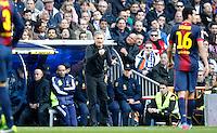 MADRI, ESPANHA, 02 MARÇO 2013 - CAMPEONATO ESPANHOL - REAL MADRID X BARCELONA - Jose Mourinho treinador do  Real Madrid durante partida contra o Barcelona  em partida pela 26 rodada do Campeonato Espanhol, no Estadio Santiago Bernabeu em Madri capital da Espanha neste sabado, 02, no Estadio. (FOTO: ALEX CID-FUENTES / ALFAQUI / BRAZIL PHOTO PRESS).