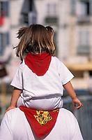 Europe/France/Aquitaine/64/Pyrénées-Atlantiques/Bayonne: Enfants aux couleurs basques lors des fêtes de Bayonne