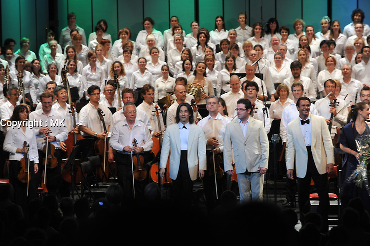 Maestro Ken Nagano and the Montreal Symphonic Orchestra  concert in Laval, October 2009.<br /> <br /> photo : Karpoff<br /> - Agence Quebec Presse
