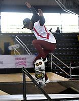 BOGOTA - COLOMBIA - 12 - 08 - 2017: Edgar Muñoz, Skater, de Panama, durante competencia en el Primer Campeonato Panamericano de Skateboarding, que se realiza en el Palacio de los Deportes en la Ciudad de Bogota. / Edgar Muñoz,, Skater, from Panama, during a competitions in the First Pan American Championship of Skateboarding, that takes place in the Palace of Sports in the City of Bogota. Photo: VizzorImage / Luis Ramirez / Staff.