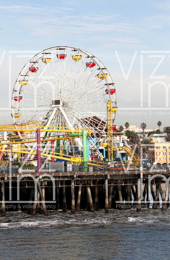 SANTA MONICA-ESTADOS UNIDOS. El Muelle de Santa Monica son unos de los atractivos turisticos de esta ciudad del condado de Los Angeles. en el hay atracciones mecanicas, tiendas, restaurates y ha servido como locacion para filmaciones de peliculas para el septimo arte Photo: VizzorImage