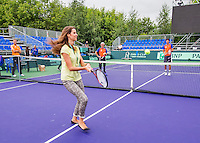 Moscow, Russia, 14 th July, 2016, Tennis,  Davis Cup Russia-Netherlands, Dutch team practise taem assistant and translateur Maria is playing with Robin Haase (NED)<br /> Photo: Henk Koster/tennisimages.com