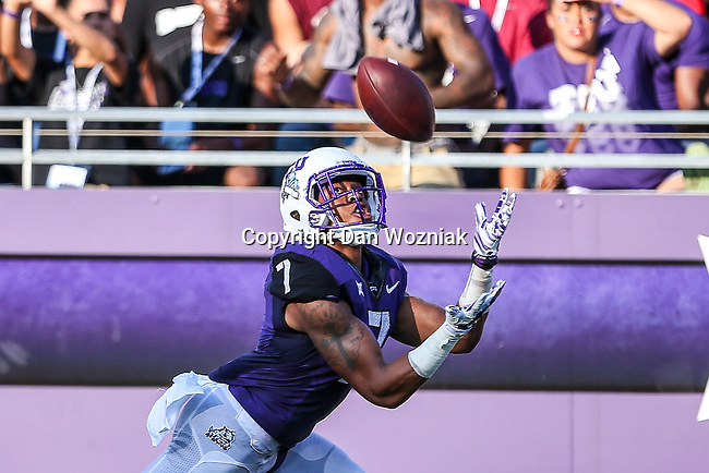 TCU Horned Frogs wide receiver Kolby Listenbee (7) in action during the game between the Samford Bulldogs and the TCU Horned Frogs at the Amon G. Carter Stadium in Fort Worth, Texas.  TCU leads Stamford 24 to 7 at halftime.