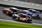 2017 NASCAR Monster Energy Cup - Can-Am Duels<br /> Daytona International Speedway, Daytona Beach, FL USA<br /> Thursday 23 February 2017<br /> Denny Hamlin, FedEx Express Toyota Camry and Kurt Busch<br /> World Copyright: Nigel Kinrade/LAT Images<br /> ref: Digital Image 17DAY2nk07387