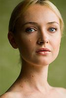 Beauty photo of blonde woman
