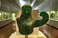 Museo Archeologico Olimpia Genio femminile alato, bronzo martellato, occhi ossei, 590 - 580 a.C. Patrimonio Unesco