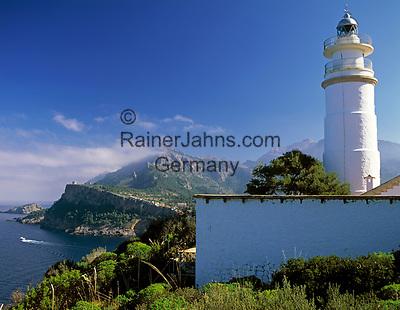 Spanien, Balearen, Mallorca, Port de Soller: Leuchtturm Cap Gros   Spain, Balearic Islands, Mallorca, Port de Soller: lighthouse Cap Gros