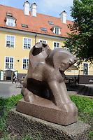 Skulptur beimPulverturm in Riga, Lettland, Europa, Unesco-Weltkulturerbe