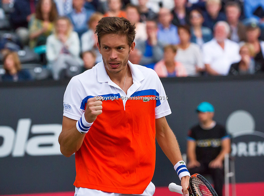 Den Bosch, Netherlands, 12 June, 2016, Tennis, Ricoh Open, Nicolas Mahut (FRA) wins the first set and celebrates<br /> Photo: Henk Koster/tennisimages.com
