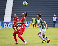 TUNJA -COLOMBIA-15-MAYO-2016.Kevin Rendon (Izq.) de Patriotas FC disputa el balón con Diego Arias (Der.) del Nacional durante partido por la fecha 18 de Liga Águila I 2016 jugado en el estadio La Independencia./ Kevin Rendon (L) of Patriotas FC for the ball with Diego Arias (r) of Nacional during the match for the date 18 of the Aguila League I 2016 played at La Independencia stadium in Tunja. Photo: VizzorImage / César Melgarejo  / Contribuidor