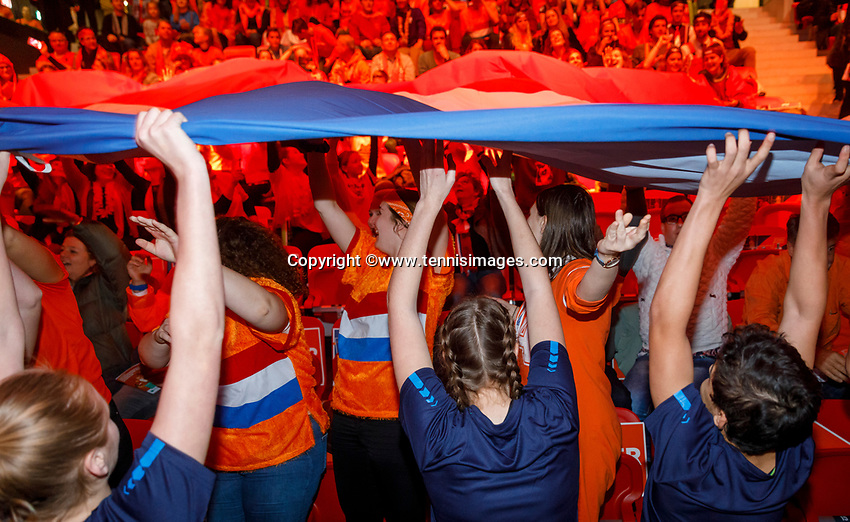 The Hague, The Netherlands, Februari 8, 2020,    Sportcampus, FedCup  Netherlands -  Balarus, Dutch Flag comming down the crowd<br /> Photo: Tennisimages/Henk Koster