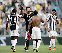 Calcio, Serie A: Torino, Allianz Stadium, 19 agosto 2017. <br /> Juventus' players celebrates at the end of the Italian Serie A football match between Juventus and Cagliari at Torino's Allianz Stadium, August 19, 2017.<br /> UPDATE IMAGES PRESS/Isabella Bonotto