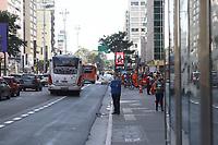 SÃO PAULO, SP, 03.06.2021 - CLIMA-SP - Dia de sol, calor e céu azul, com temperatura na casa dos 28°, na Avenida Paulista, nesta quinta-feira, 3. (Foto Charles Sholl/Brazil Photo Press)