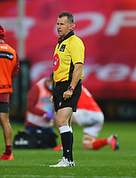 10th October 2020; Thomond Park, Limerick, Munster, Ireland; Guinness Pro 14 Rugby, Munster versus Edinburgh;  Referee Nigel Owens watches as Ben Healy of Munster takes a penalty kick