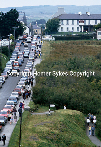 Lisdoonvarna County Clare Eire 1990s. Annual month long matchmaking festival.As many as 15,000 people attend. Tourism southern Ireland