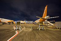 Mit 9 Jahren Verspaetung wurde am 31. Oktober 2020 der Flughafen Berlin-Brandenburg BER in Schoenefeld eroeffnet.<br /> Im Bild: Flufzeuge der Luftfahrtgesellschaft Easy Jet auf ihren Parkpositionen.<br /> 31.10.2020, Schoenefeld<br /> Copyright: Christian-Ditsch.de