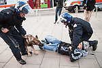 © Joel Goodman - 07973 332324 . 07/08/2011 . London , UK . Police with dogs in Enfield at the start of a 2nd night of rioting and looting in London , which followed a protest against the police shooting of Mark Duggan . Photo credit : Joel Goodman