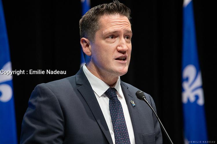 Point de presse <br /> du premier ministre du Québec, M. François Legault,<br /> avec le ministre de la Santé et des Services sociaux, M. Christian Dubé, et le directeur national de la santé publique, M. Horacio Arruda<br /> le 16  Novembre 2020<br /> <br /> PHOTO :  Emilie Nadeau