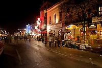 When the evening comes on 6th Street fills with live music & entertainment fans