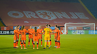 BREDA, NETHERLANDS - NOVEMBER 27: Netherlands starting eleven huddle during a game between Netherlands and USWNT at Rat Verlegh Stadion on November 27, 2020 in Breda, Netherlands.