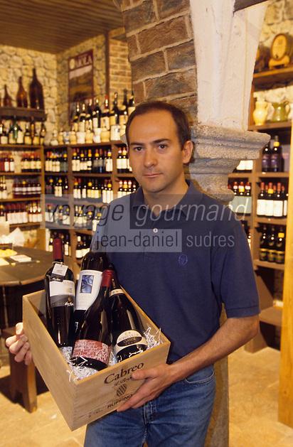 """Europe/Italie/Lac de Come/Lombardie/Come : Piergiuseppe Traversa le patron de """"Traversa"""" cave et musée du vin"""