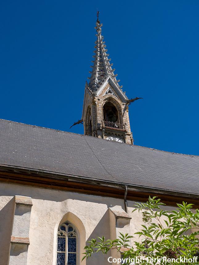 Kirche in Sent bei Scuol, Unterengadin, Graubünden, Schweiz, Europa<br /> Church inSent, Scuol Valley, Engadine, Grisons, Switzerland