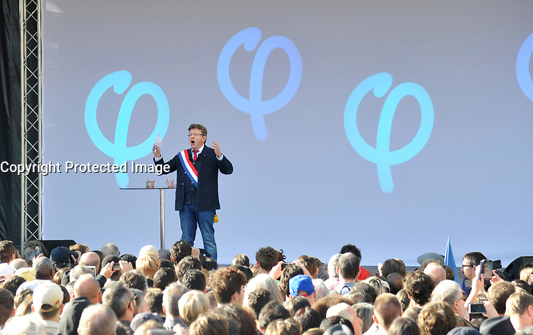 September 23 2017, Paris, France - Demonstration against the Reform of Labour Law led by the French politician Jean-Luc Melenchon Leader of 'La France Insoumise'. He made a great speech to the demonstrators. # MANIFESTATION CONTRE LA LOI TRAVAIL EN FRANCE