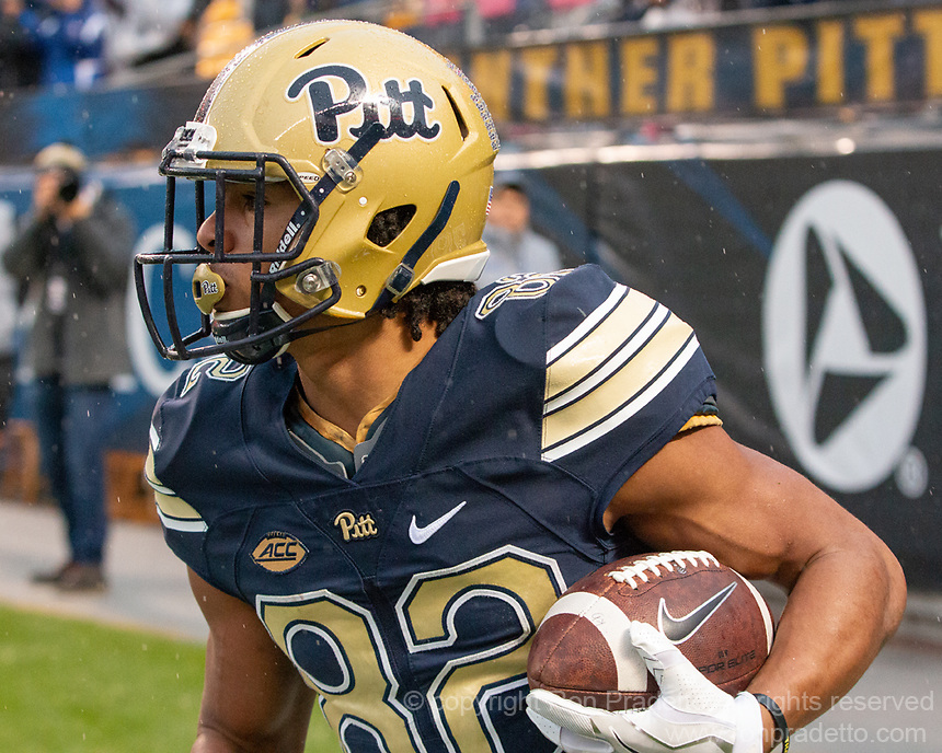 Pitt wide receiver Rafael Araujo-Lopes makes a two point conversion catch.The Pitt Panthers football team defeated the Duke Blue Devils 54-45 on November 10, 2018 at Heinz Field, Pittsburgh, Pennsylvania.