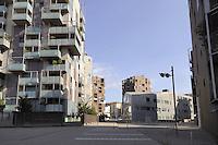 - Milan, construction site for urban planning conversion of Portello area, apartment complex....- Milano, cantieri edili per la riconversione urbanistica dell'area del  Portello, complesso residenziale