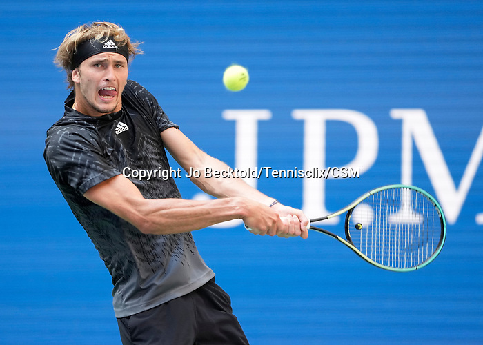 September  8, 2021:  Alexander Zverev (GER) defeated Lloyd Harris (RSA) 7-6, 6-3, 6-4, at the US Open being played at Billy Jean King National Tennis Center in Flushing, Queens, New York / USA  ©Jo Becktold/Tennisclix/CSM/CSM