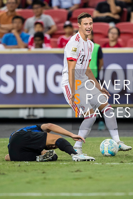 Bayern Munich Defender Marco Friedl (R) fights for the ball with FC Internazionale Defender Yuto Nagatomo (L) during the International Champions Cup match between FC Bayern and FC Internazionale at National Stadium on July 27, 2017 in Singapore. Photo by Marcio Rodrigo Machado / Power Sport Images