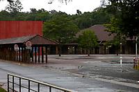 FOZ DO IGUAÇU, PR, 18.03.2020 – CORONOVIRUS-FOZ DO IGUAÇU-PR- Parque Nacional do Iguaçu na manhã desta quarta-feira (18) amanhaceu fechado para visitação turística.  A medida visa a garantir a saúde de todas as pessoas para conter a pandemia do coronavírus (covid-19), conforme orientações da Organização Mundial da Saúde (OMS) e do Ministério da Saúde.(Foto: Paulo Lisboa/Brazil Photo Press/Folhapress)