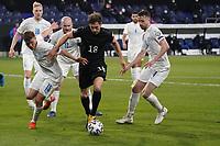 Leon Goretzka (Deutschland Germany) gegen Alsons Sampsted (Island Iceland)  - 25.03.2021: WM-Qualifikationsspiel Deutschland gegen Island, Schauinsland Arena Duisburg