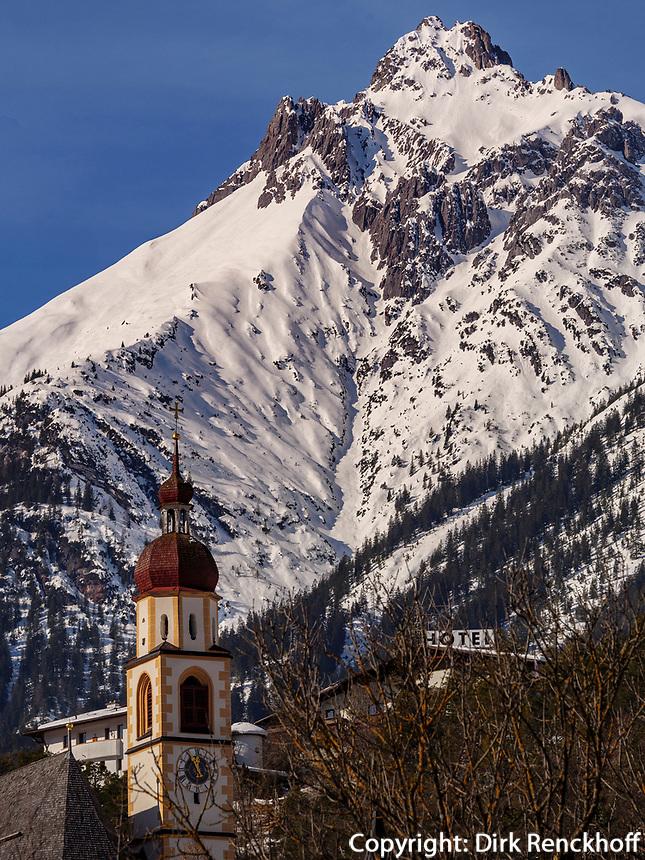 Lechtaler Alpen, Pfarrkirche von Tarrenz im Gurgltal Bezirk Imst, Tirol, Österreich, Europa<br /> Lechtal Alps, parish church of Tarrenz, district Imst, Tyrol, Austria, Europe