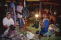 Asie/Malaisie/Sabah/Kota Kinabalu: Le marché central la nuit