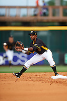 Bradenton Marauders second baseman Pablo Reyes (15) during a game against the Lakeland Flying Tigers on April 16, 2016 at McKechnie Field in Bradenton, Florida.  Lakeland defeated Bradenton 7-4.  (Mike Janes/Four Seam Images)