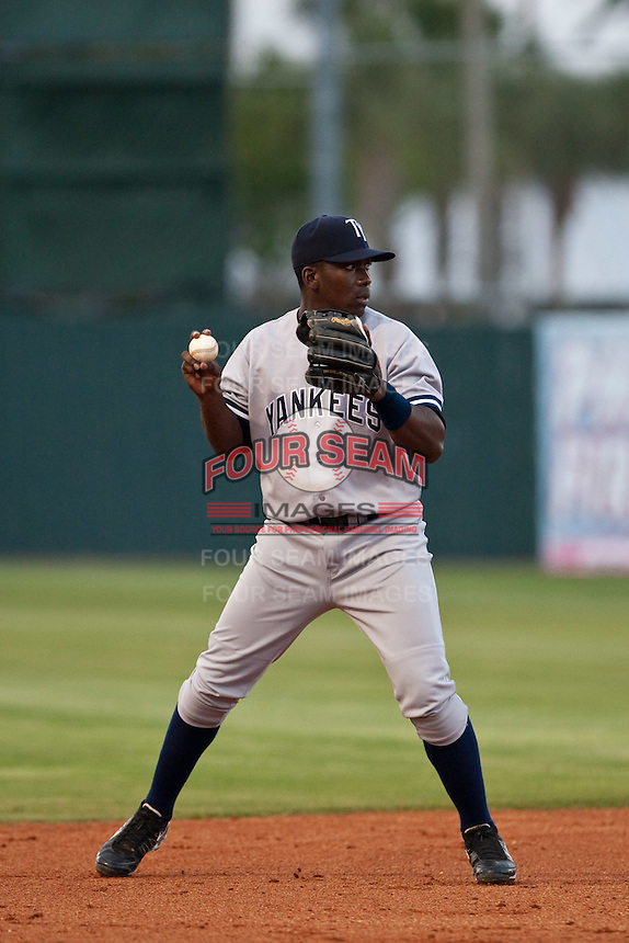 April 21 2010: Jose Pirela (21) of the Tampa Yankees during a game vs. the Daytona Beach Cubs at Jackie Robinson Ballpark in Daytona Beach, Florida. Tampa, the Florida State League High-A affiliate of the New York Yankees, won the game against Daytona, the affiliate of the Chicago Cubs by the score of 4-1.  Photo By Scott Jontes/Four Seam Images
